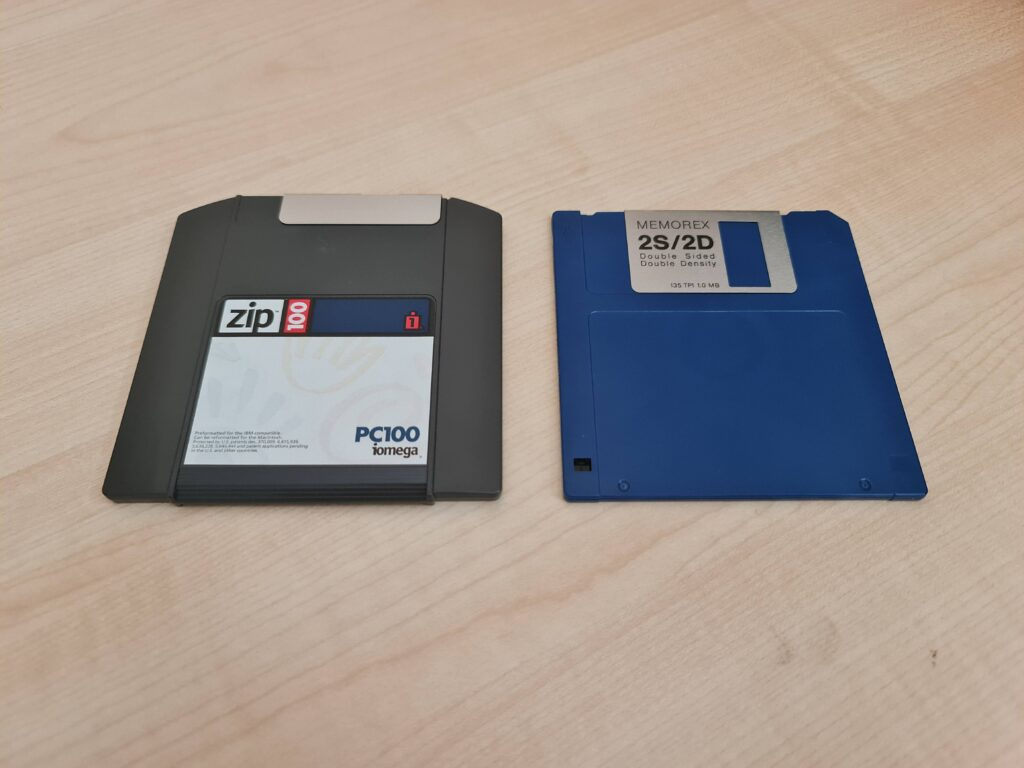 Zip 100 Disk size comparison